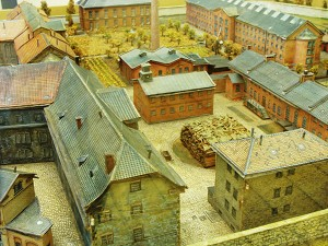 Modell der Gefängnisanlage zur Zeit des Krieges mit der Hinrichtungsstätte in der Mitte (Foto: B. Vogel)